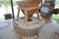 Элементы старинной водяной мельницы �� ������� �����